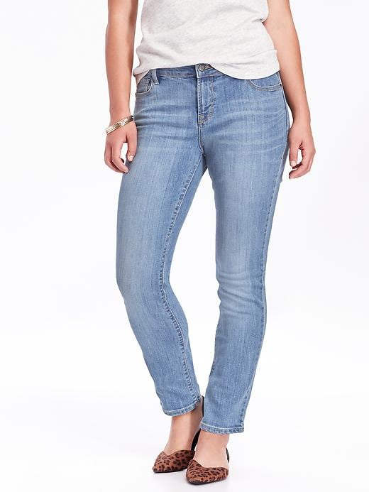 Mid-Rise Curvy Straight Jeans