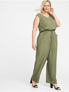 Waist-Defined Plus-Size Sleeveless Utility Jumpsuit