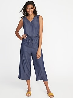 Waist-Defined Sleeveless Utility Jumpsuit for Women