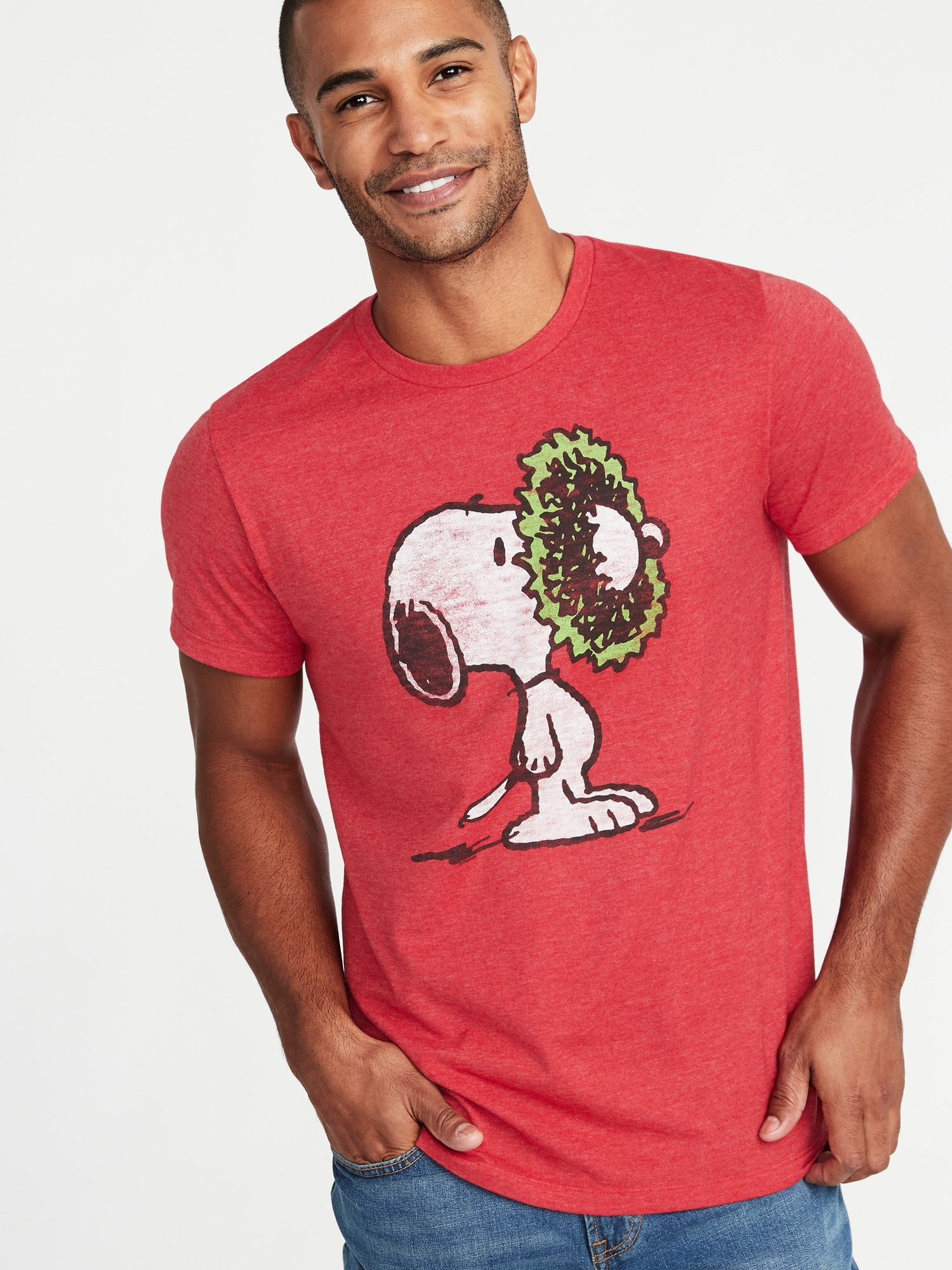 Peanuts® Snoopy Christmas Tee for Men | Old Navy