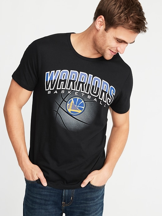 NBA&#174 Team-Graphic Tee for Men